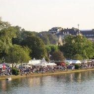 Festlicher Trubel am Sachsenhäuser Ufer