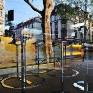 Spiegelung in der Sushi-Bar an der Schweizer Strasse