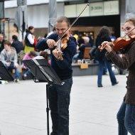 Geigenspielerpärchen I
