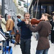 Geigenspielerpärchen II