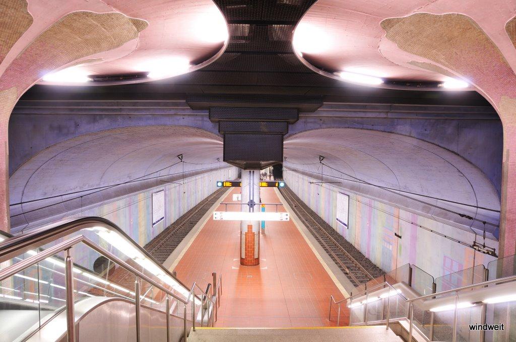 Blick in die U-Bahn-Station Westend