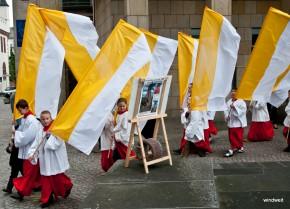 Kreuzfest 2011 - Sonntagsgottesdienst und Prozession