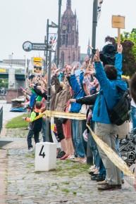 Menschenkette gegen den Fluglärm - Hand in Hand für unsere Zukunft!