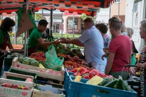 Eröffnung des Wochenmarkts auf dem Dalles in Oberrad